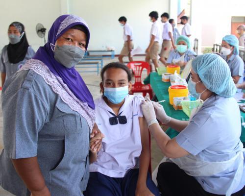ฉีดวัคซีนนักเรียนพร้อมเปิด On-site